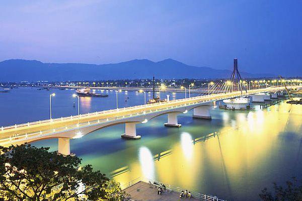Từ Hải Phòng đi Đà Nẵng bao nhiêu km?